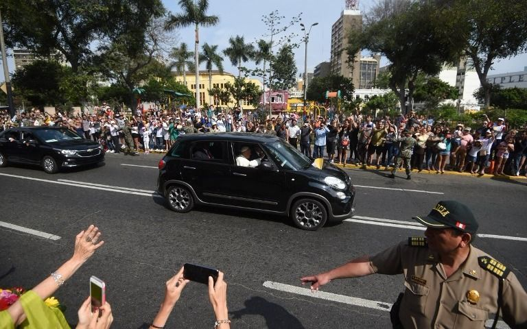 El Papa se disculpa con los abusados por curas