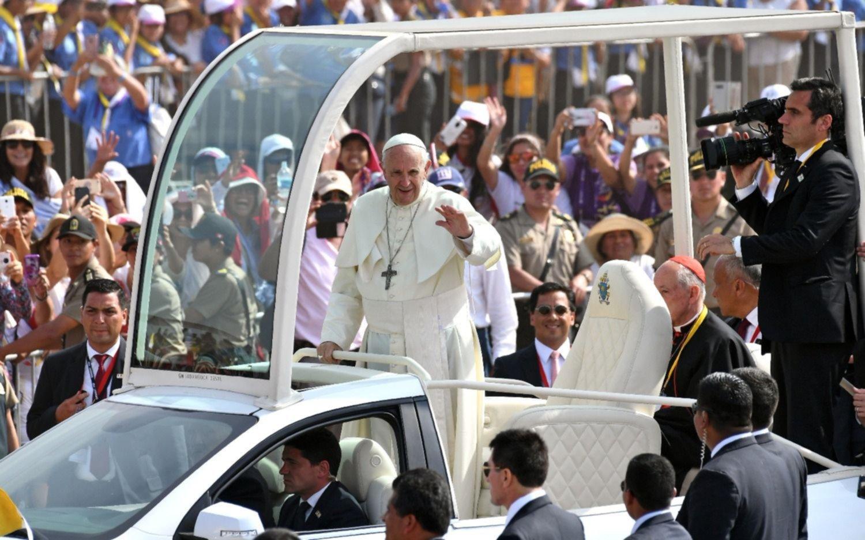 El Papa pidió perdón por pedir
