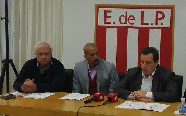 Estudiantes: Calderón espera por el crédito y sueña con un estadio para octubre