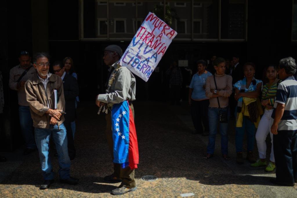El Parlamento dice que buscará ejecutar políticamente la transición en Venezuela