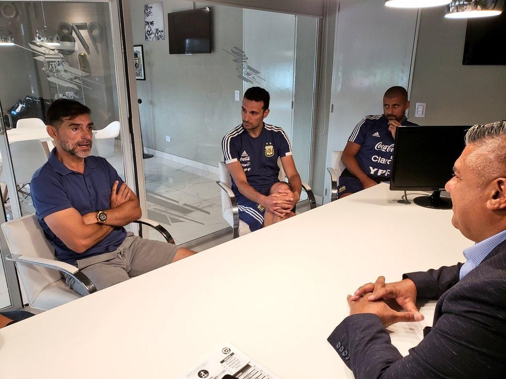 Roberto Ayala trabajará junto a Scaloni en la Selección mayor