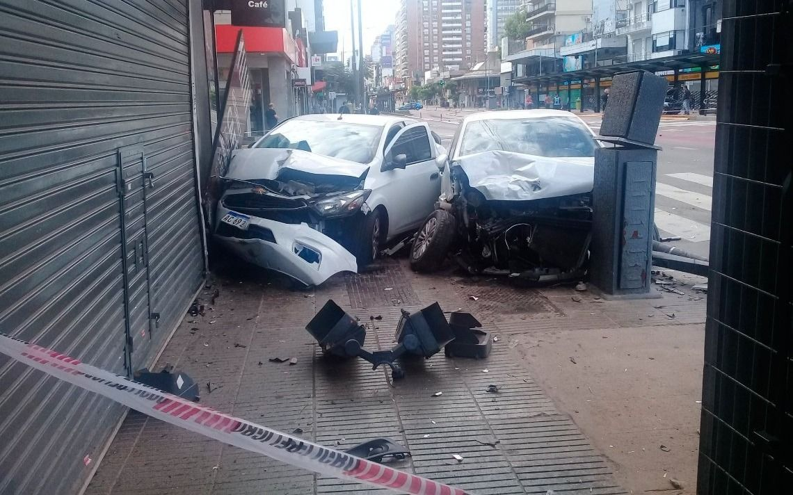 Cuatro heridos por el choque entre tres vehículos en el barrio porteño de Belgrano