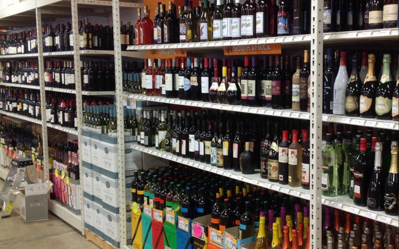 Promulgaron en Provincia la ley que extiende el horario de venta de alcohol hasta las 23