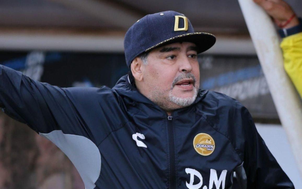 Maradona fue operado de una hernia que le provocaba el sangrado estomacal