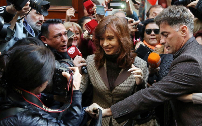 Cuadernos: revisarán los procesamientos de Cristina y De Vido