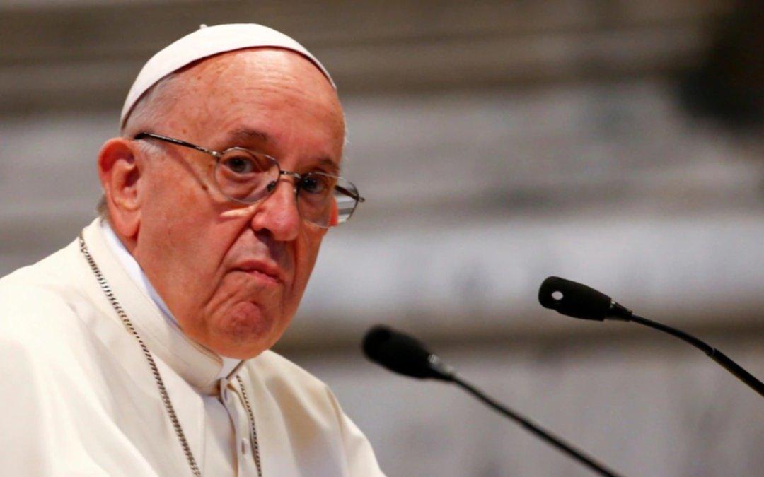 """Francisco pidió a los obispos chilenos que sean """"diligentes"""" para responder a víctimas de abuso"""