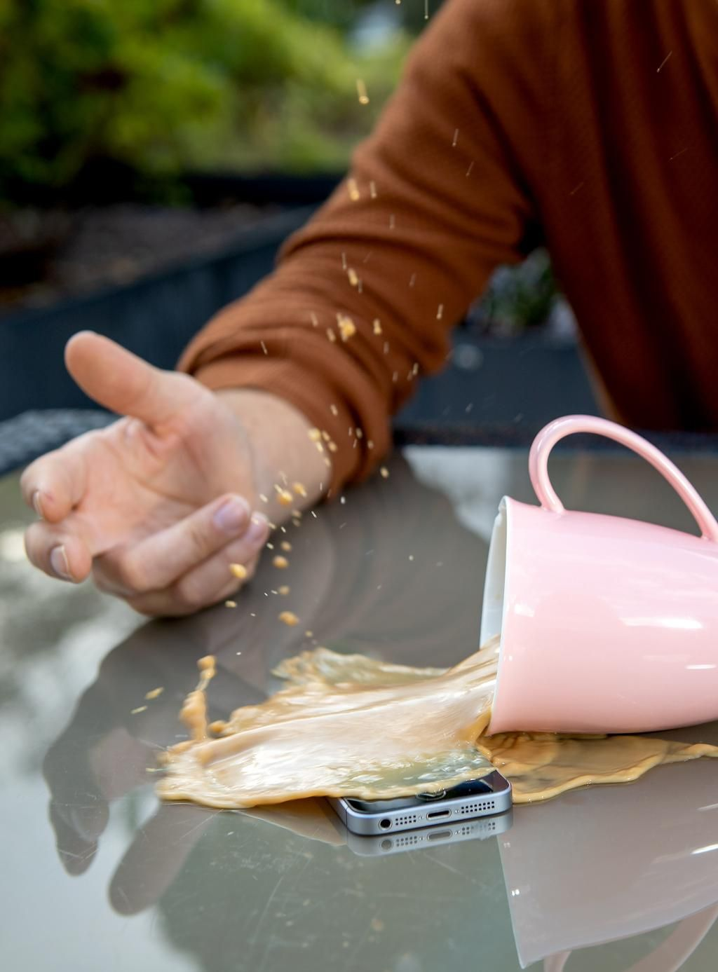 Derrames, burbujas y gotas: cómo secar los dispositivos