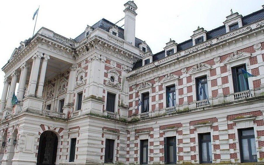 Una negociación contra reloj para evitar que la Provincia entre en default en febrero