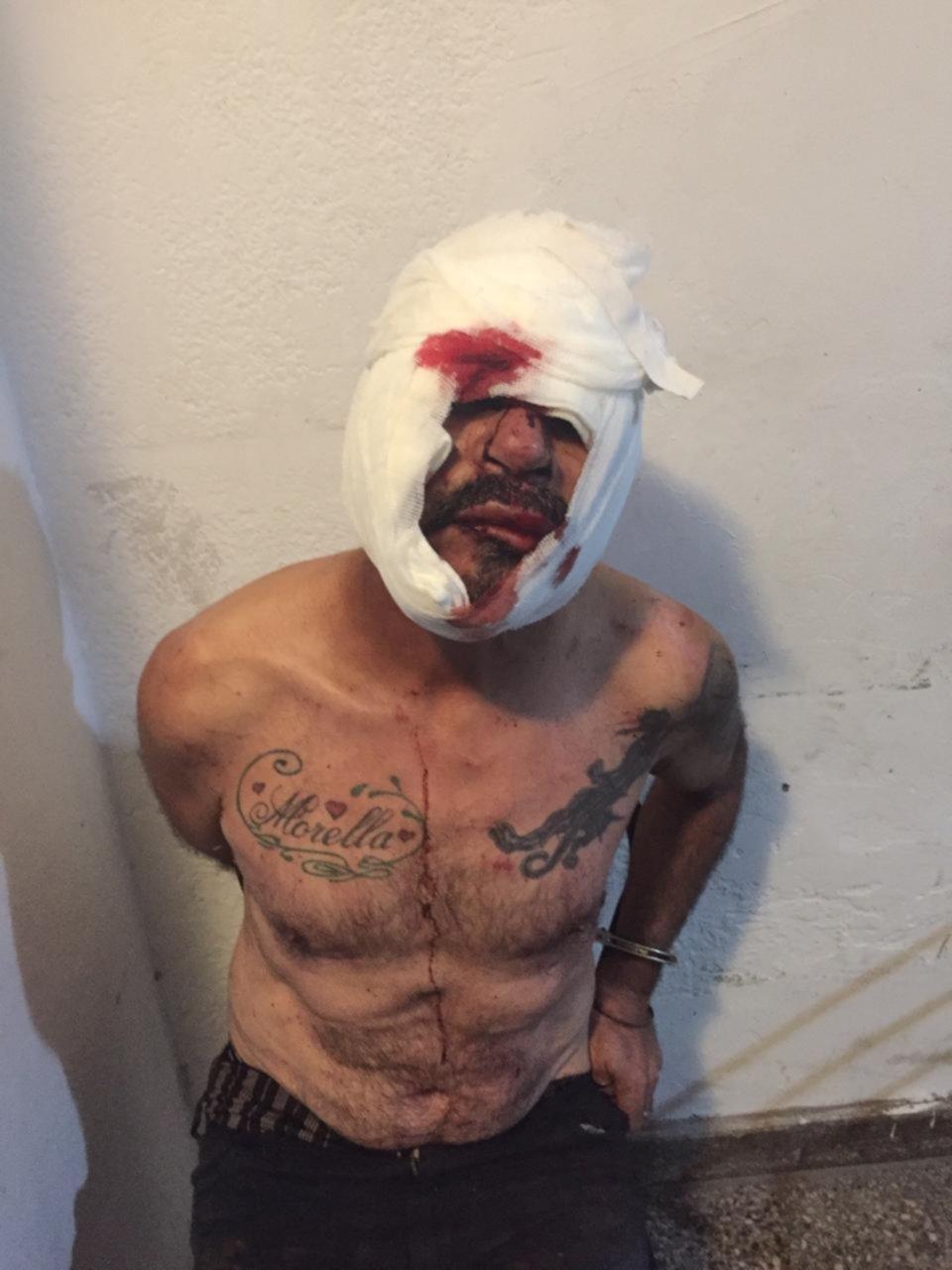 Lo descubrieron desnudo frente a un vecinito de 3 años y casi lo linchan