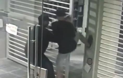 Menores de edad atacaron por cuarta vez en un edificio de 10 entre 59 y 60
