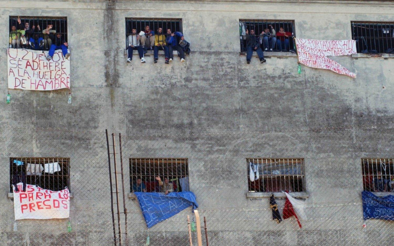 Estudian excarcelar y reducir penas a presos para descomprimir cárceles bonaerenses