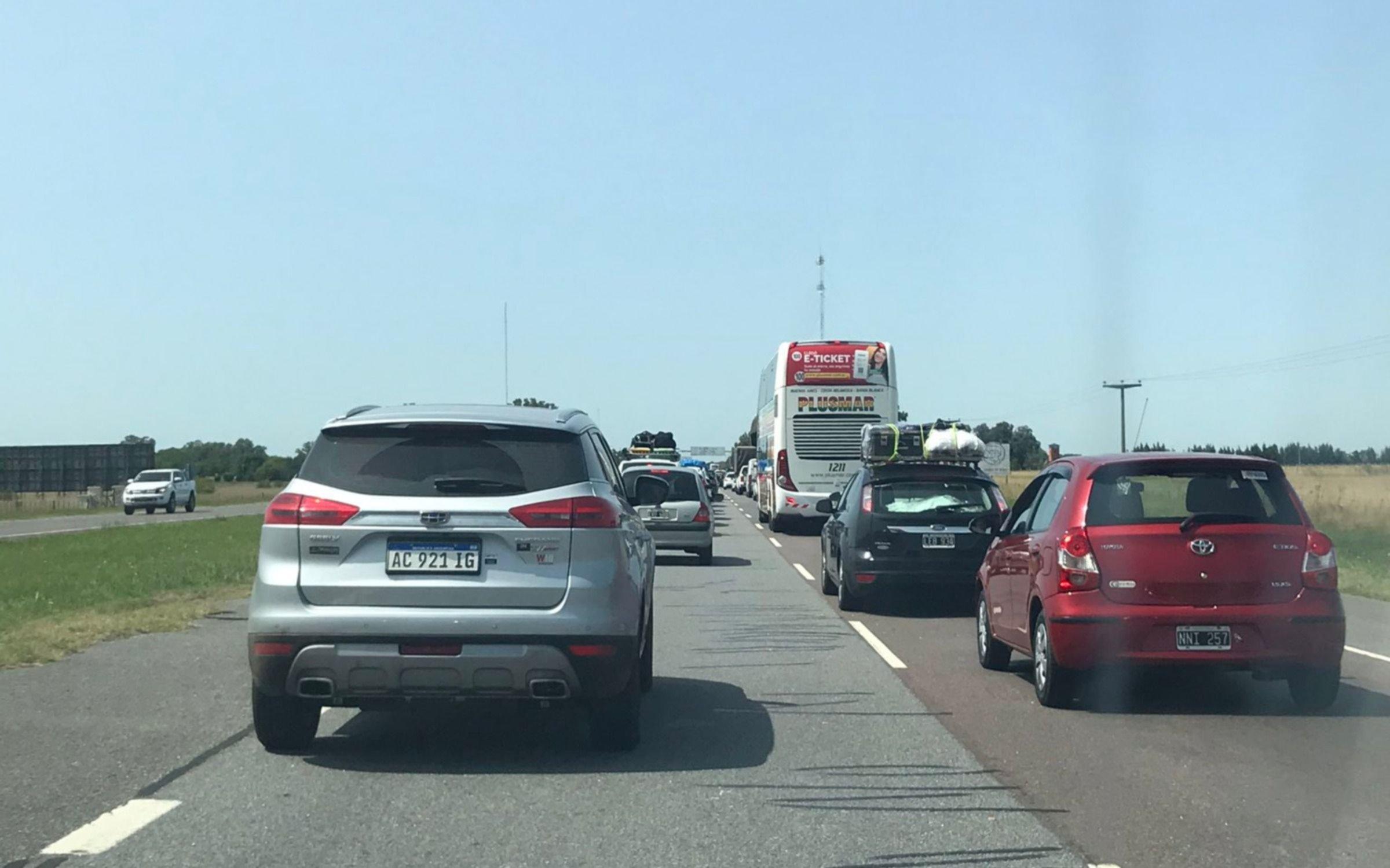 Rutas cargadas hacia la Costa: circulan unos 2.600 autos por hora