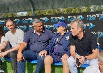 Tapia estuvo en Ezeiza y se reunió con Maradona