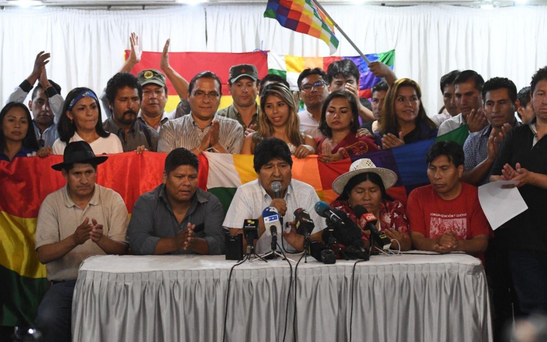 Evo Morales proclamó a su ex ministro Luis Arce como candidato a presidente