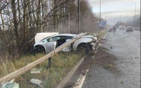 Accidente y milagro para el arquero Sergio Romero: su auto, destrozado y él, ni un rasguño