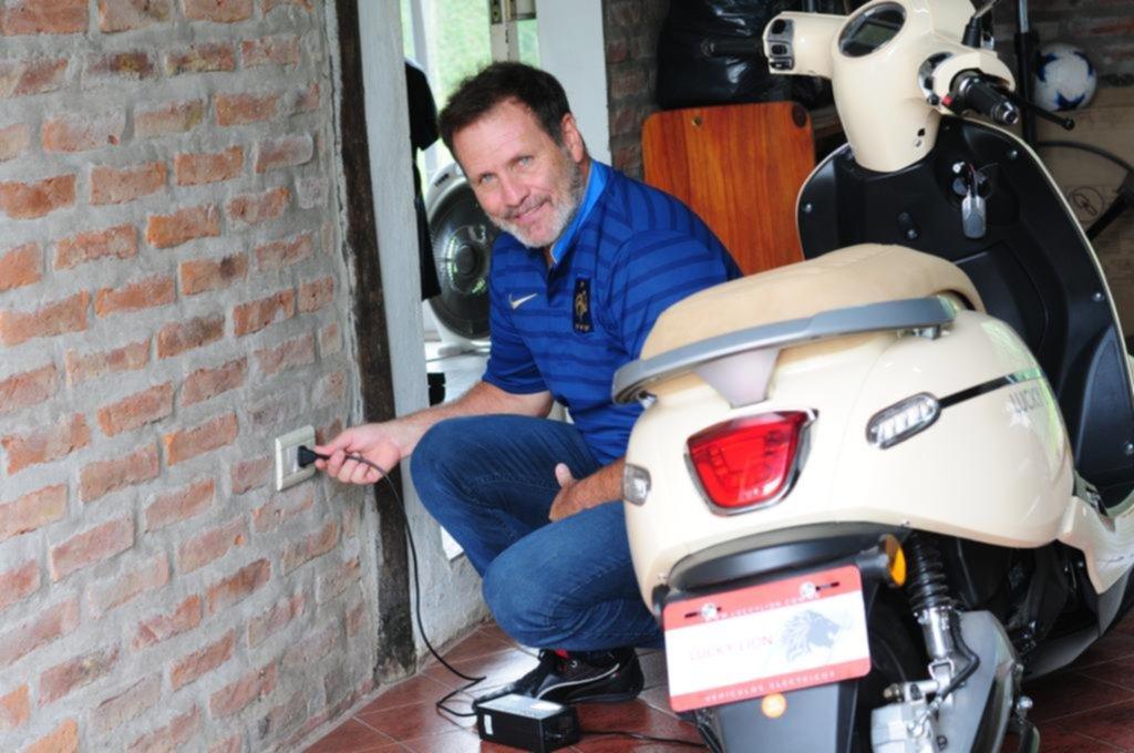 """La moto eléctrica, otra alternativa """"low cost"""" que gana protagonismo en las calles"""