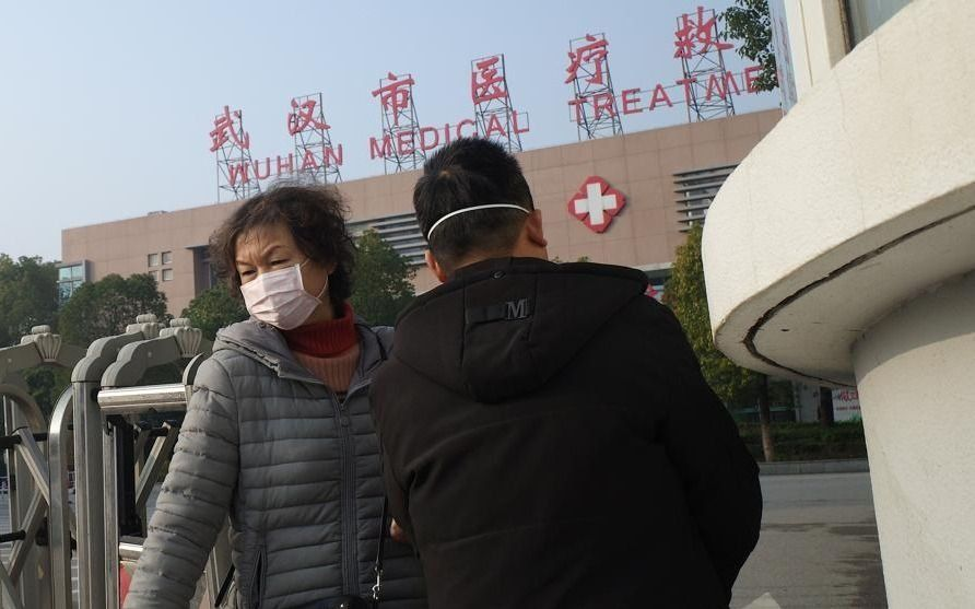 La OMS pospone hasta mañana la decisión sobre un posible alerta internacional por el virus chino