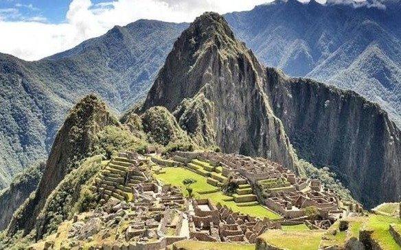 El argentino que dañó Machu Picchu fue condenado a tres años de prisión