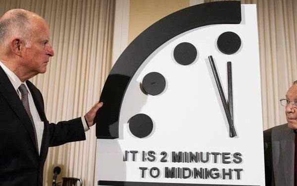 """¡Sálvese quién pueda! El """"Reloj del Apocalipsis"""" dice que estamos a 100 segundos del final"""