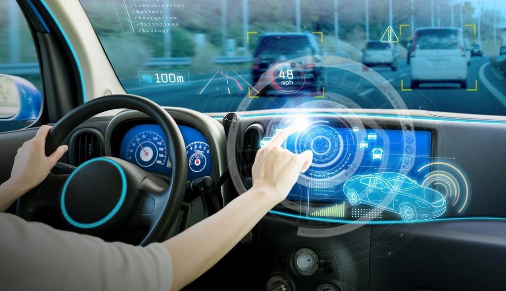 Automotrices ponen la mira en una nueva generación de autos conectados a la Web