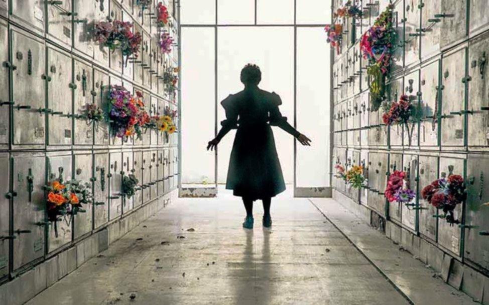 """""""Una obra más real que la del mundo"""": paseo errante por el Cementerio de la Chacarita"""