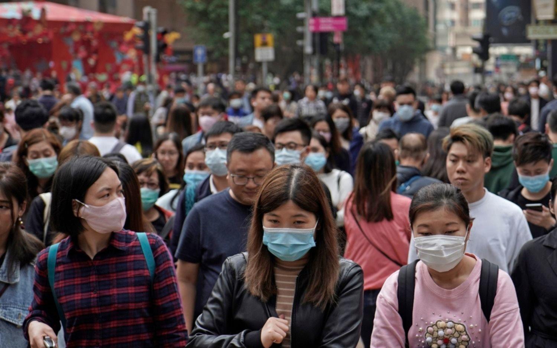 """El virus chino ya mató a 26 personas y hay 13 ciudades """"blindadas"""": crece el alerta mundial"""
