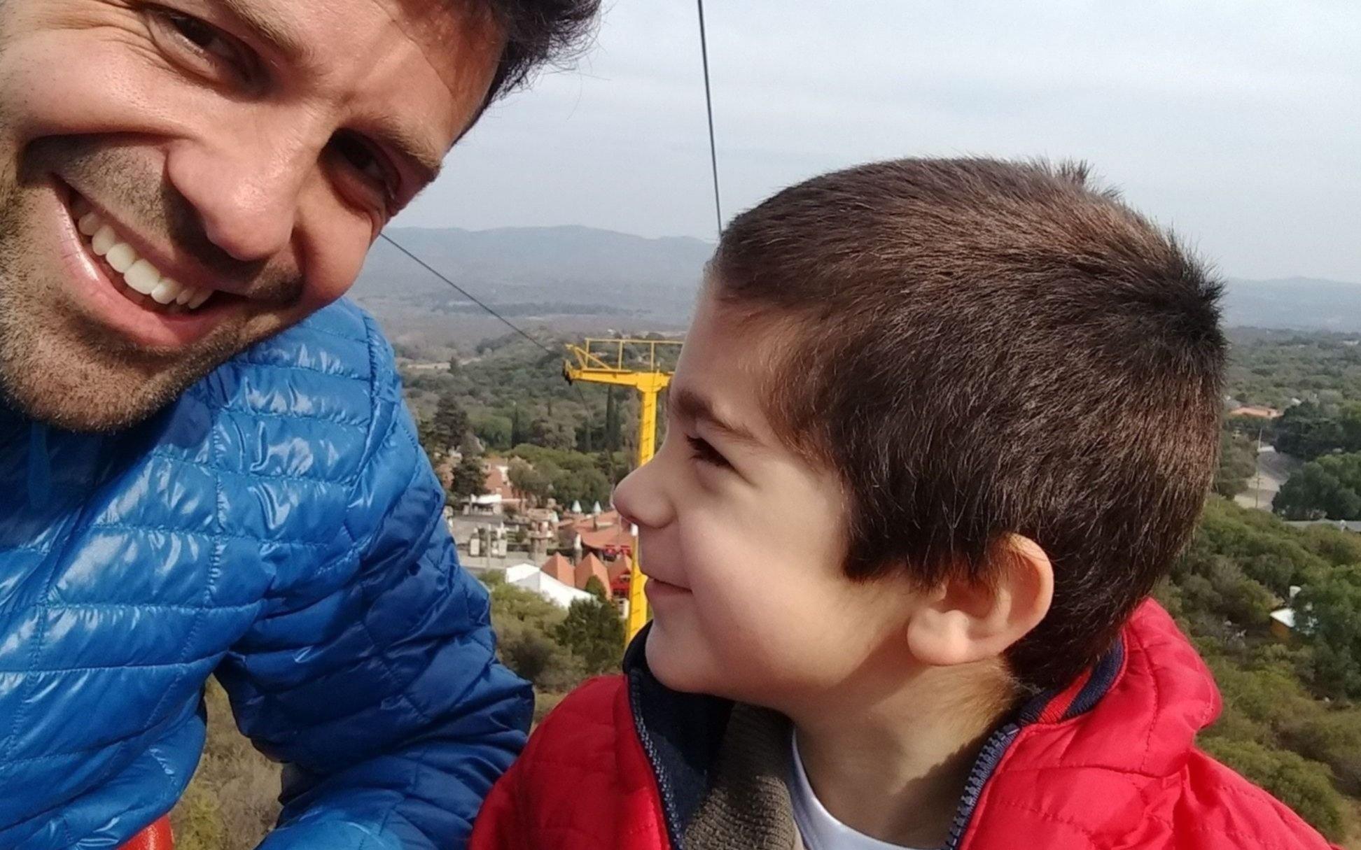 """""""Inclusión de cotillón"""": la carta del padre de un chico con autismo contra el lenguaje inclusivo"""