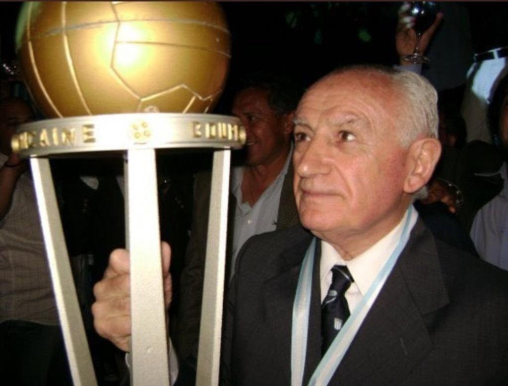 Racing llora la muerte de Juan José Pizzuti, emblema y leyenda del fútbol argentino