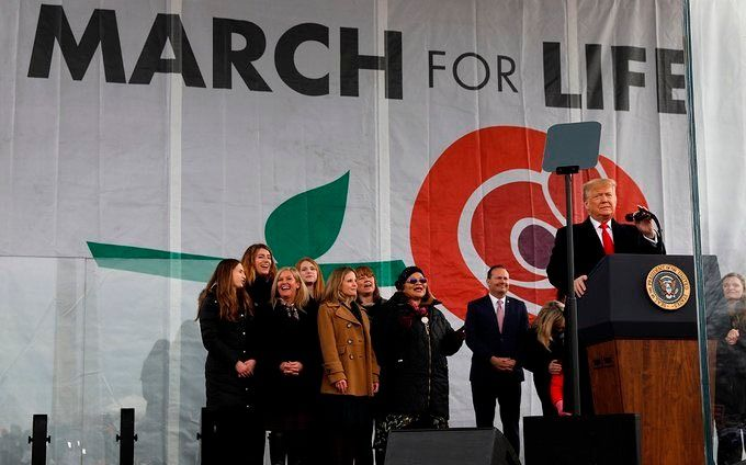 Trump participó de una marcha antiabortista en Washington
