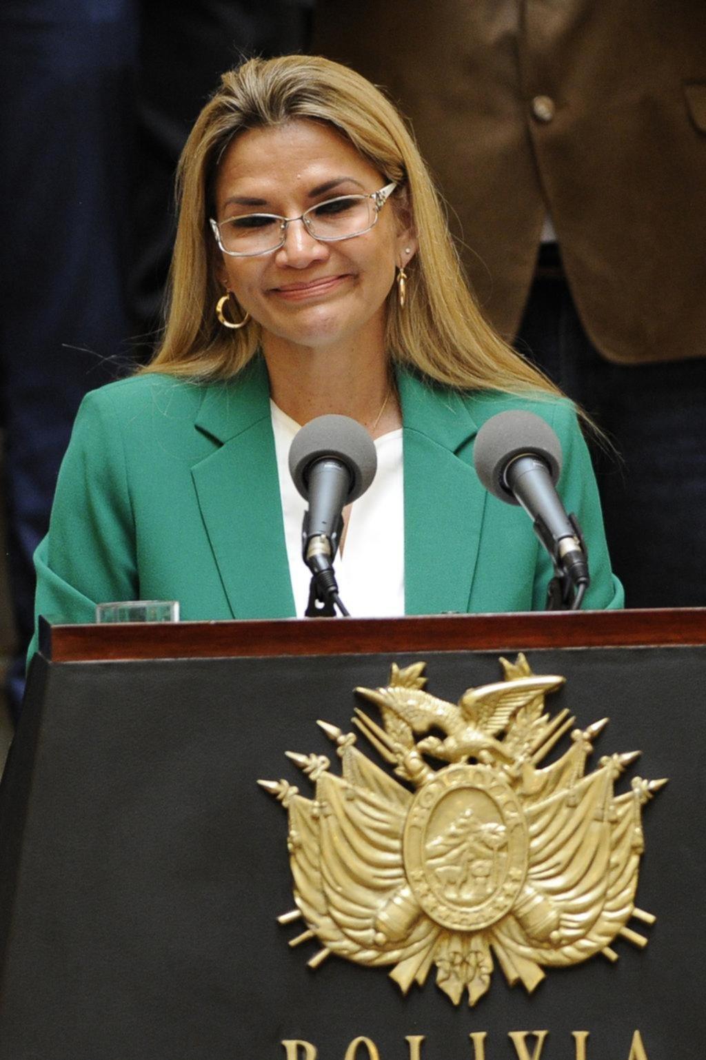 Se agita la campaña electoral en Bolivia con Áñez como candidata