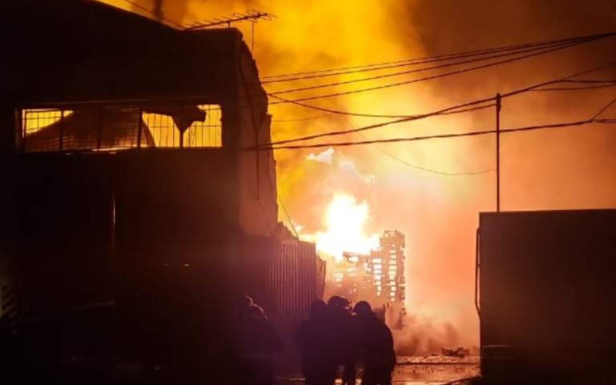 Temor por el incendio de una empresa química