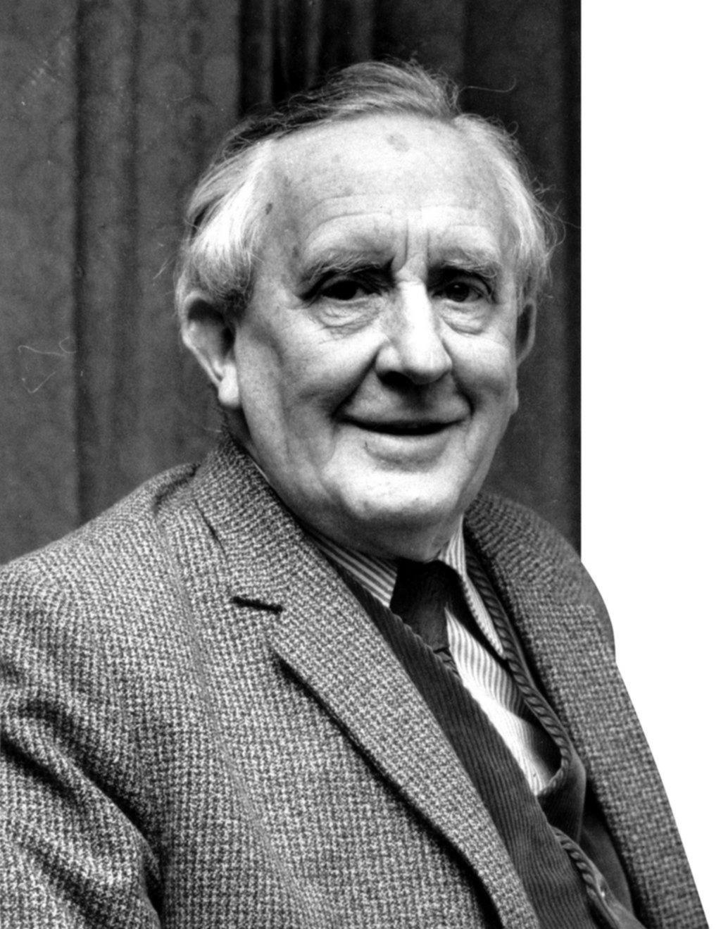 J.R.R. Tolkien, un legado de mitos e historias fantásticas