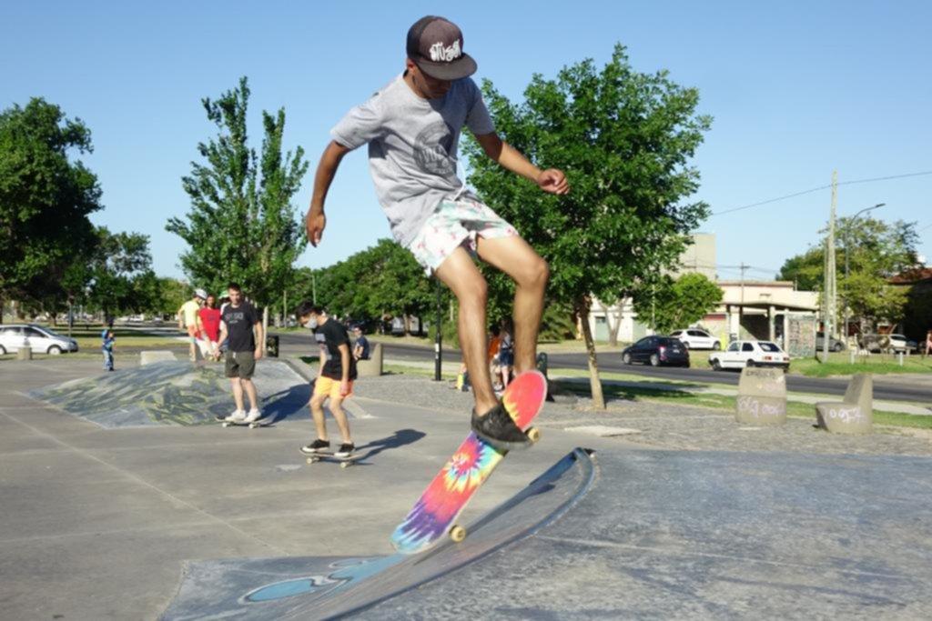 La Plata en imágenes: verano en skate