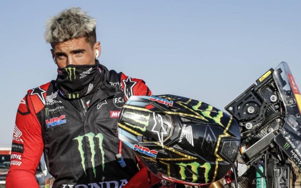 Kevin Benavídes finalizó tercero en la Etapa 10 y lidera la general en motos