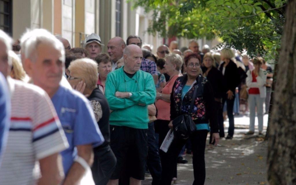 Bolsillos flacos: el año pasado, todos los jubilados perdieron contra la inflación