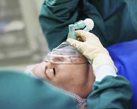 Denuncia y cruces de cartas documento entre la Provincia y los anestesiólogos