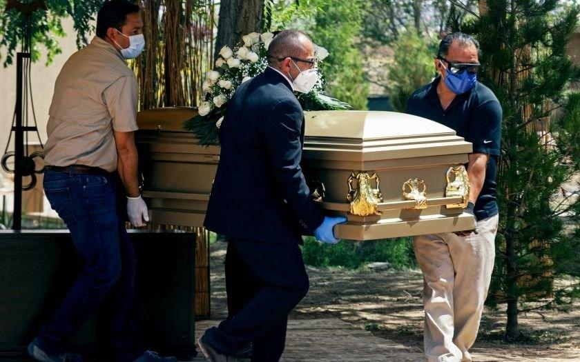 ¡Qué tragedia! Murió el tío por Covid, se infectaron en el funeral y fallecieron 16 familiares