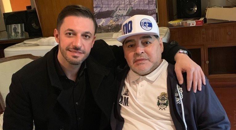 """Crece el escándalo """"Si salieran a la luz las donaciones de Maradona, muchos se pondrían colorados"""""""