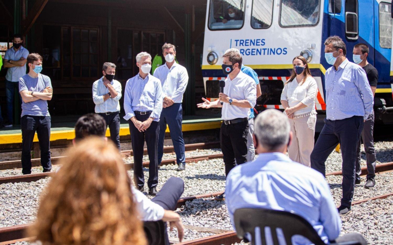 Inauguraron el retorno del tren de pasajeros que llega hasta Pinamar