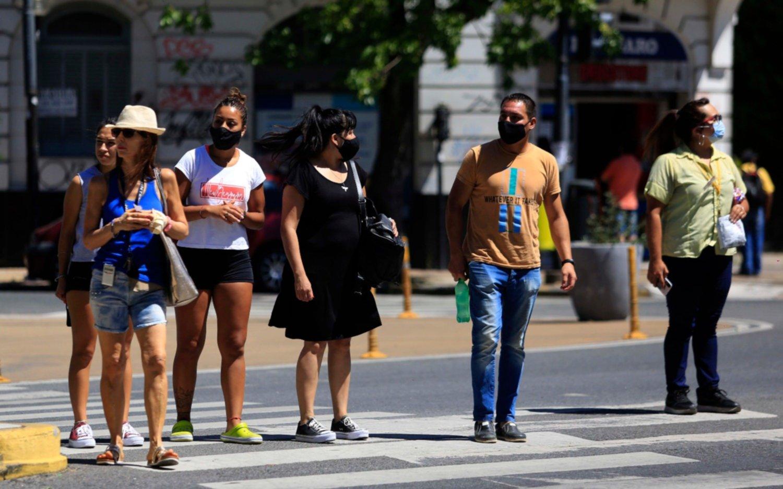 Calor en la Región: pronostican un sábado con una máxima de 34 grados y hay alerta amarilla