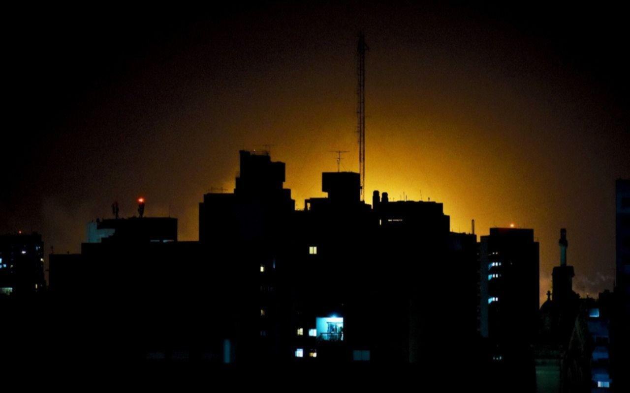 """Crecen los reclamos por ruidos y resplandores en la refinería de YPF: """"Ya no se aguanta más"""""""