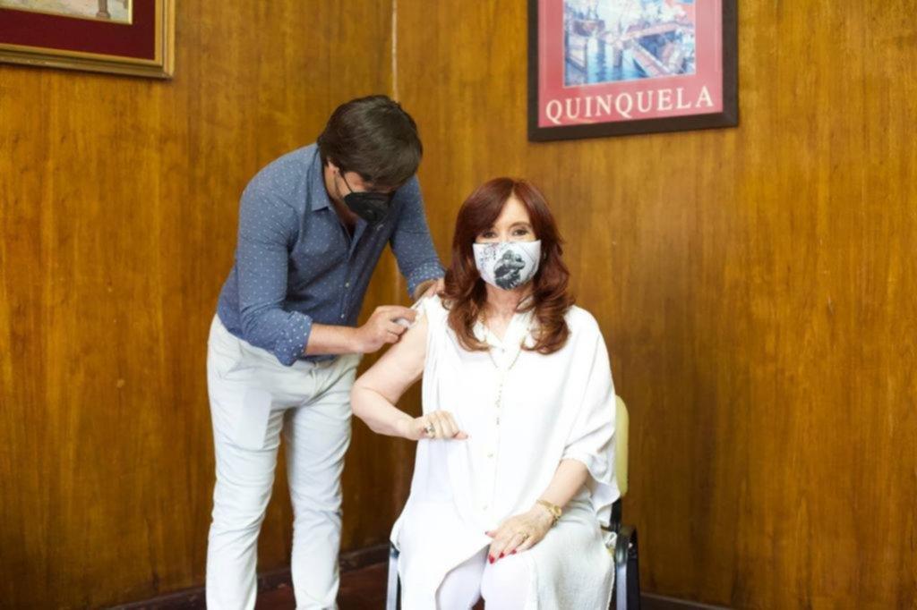 Cristina se aplicó primera dosis de la Sputnik V