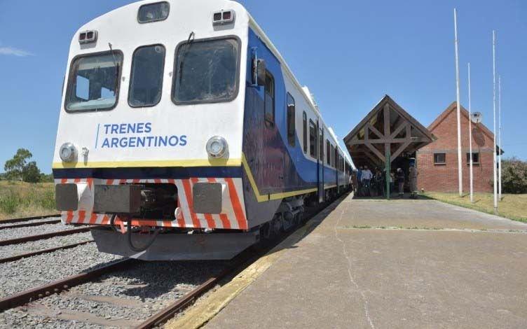 Reanudó el tren a Pinamar: horarios y cuánto cuesta