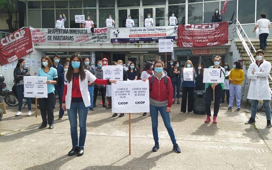 Provincia: ofrecieron aumento salarial de 44% a los médicos