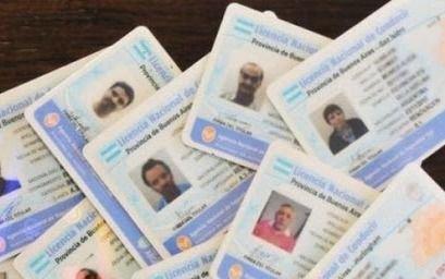 Denuncian que en La Plata una red vendía por Facebook licencias de conducir falsas