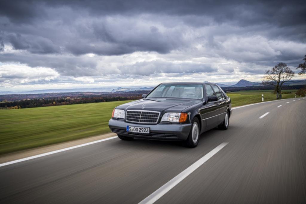 El Mercedes Clase S W140 cumple 30 años