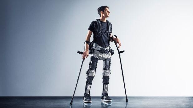 Phoenix: un exoesqueleto que promete hacer caminar a personas con discapacidad