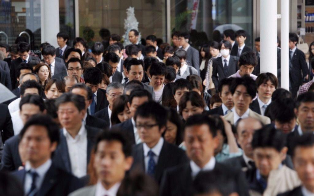 Japón: crean campaña para frenar el exceso de trabajo