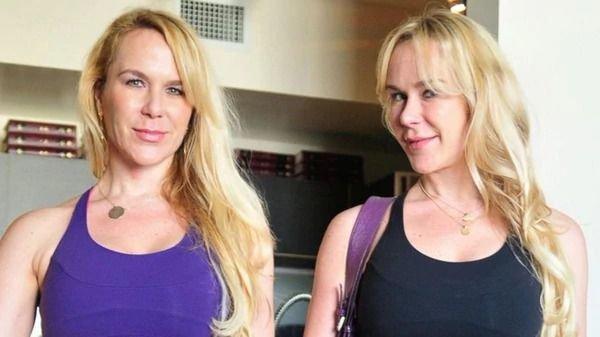 Mujer es acusada de matar a su hermana gemela
