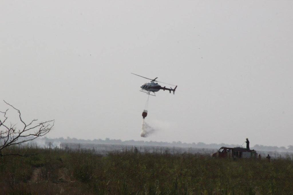 Avanza el fuego en la reserva de Punta Lara y suman recursos para combatirlo